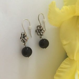 Nickel free earrings with onyx Gemstone beads.💕